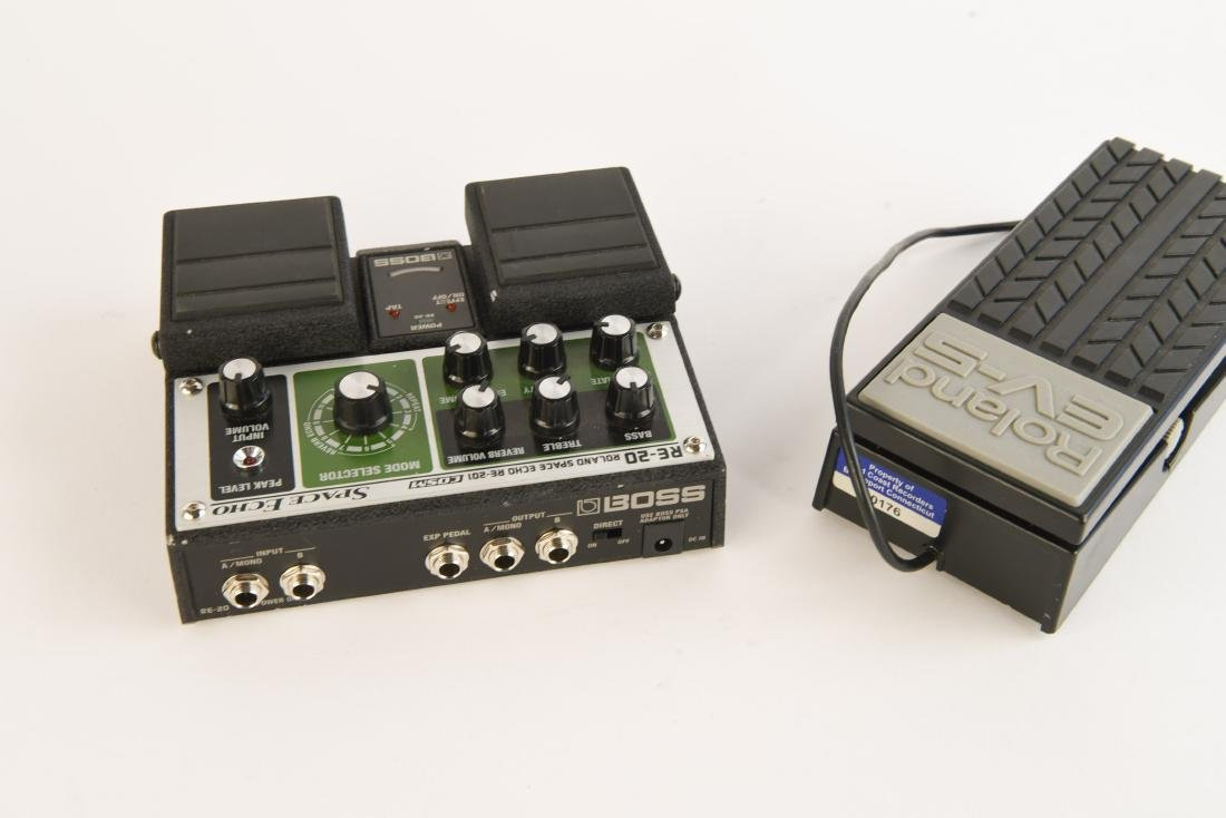 BOSS RE-20 SPACE ECHO WITH EXP PEDAL AND PS - 4