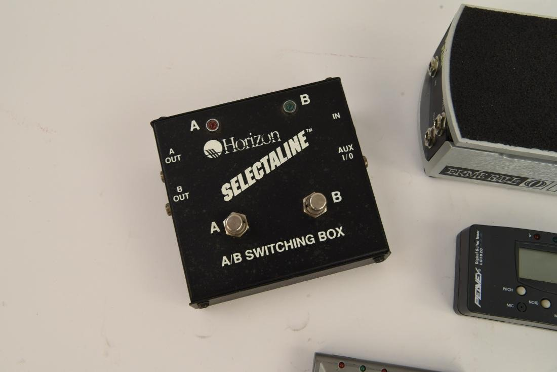 GROUPING OF ELECTRIC GUITAR ACCESSORIES - 2