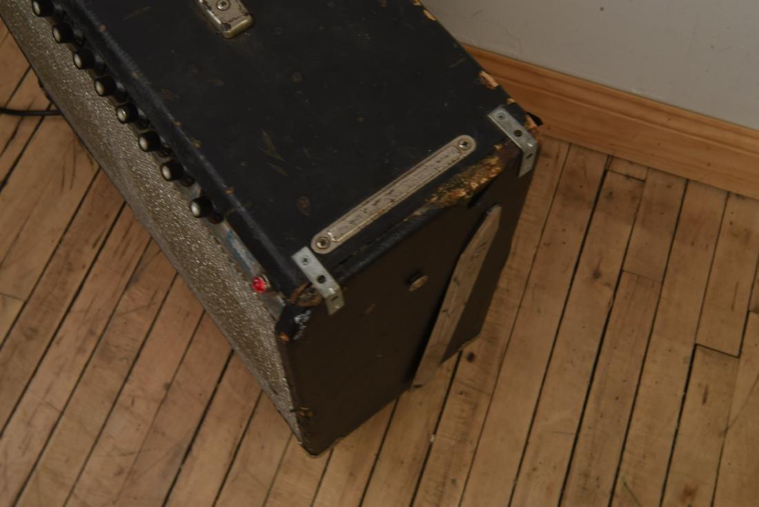FENDER TWIN REVERB VINTAGE GUITAR AMP - 10