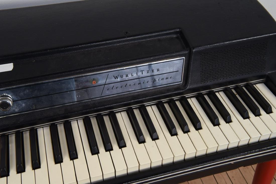 WURLITZER MODEL 200A ELECTRIC PIANO - 2