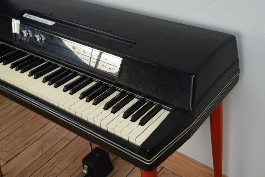 WURLITZER MODEL 200A ELECTRIC PIANO - 4
