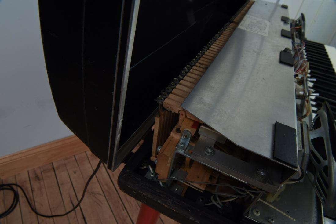 WURLITZER MODEL 200A ELECTRIC PIANO - 9