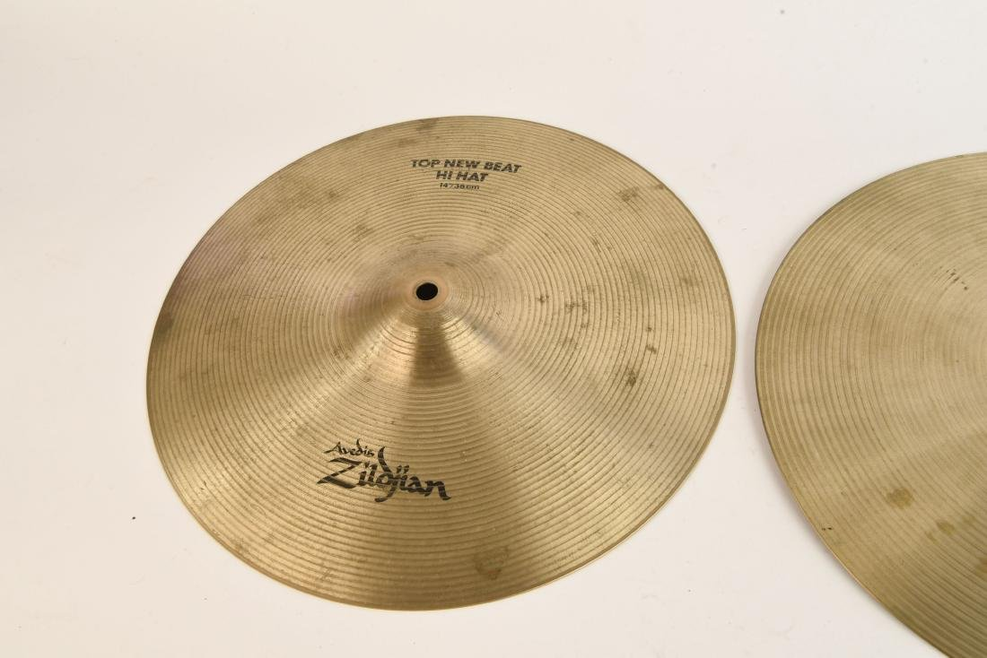 ZILDJIAN 14 INCH NEW BEAT HI HATS PAIR - 3