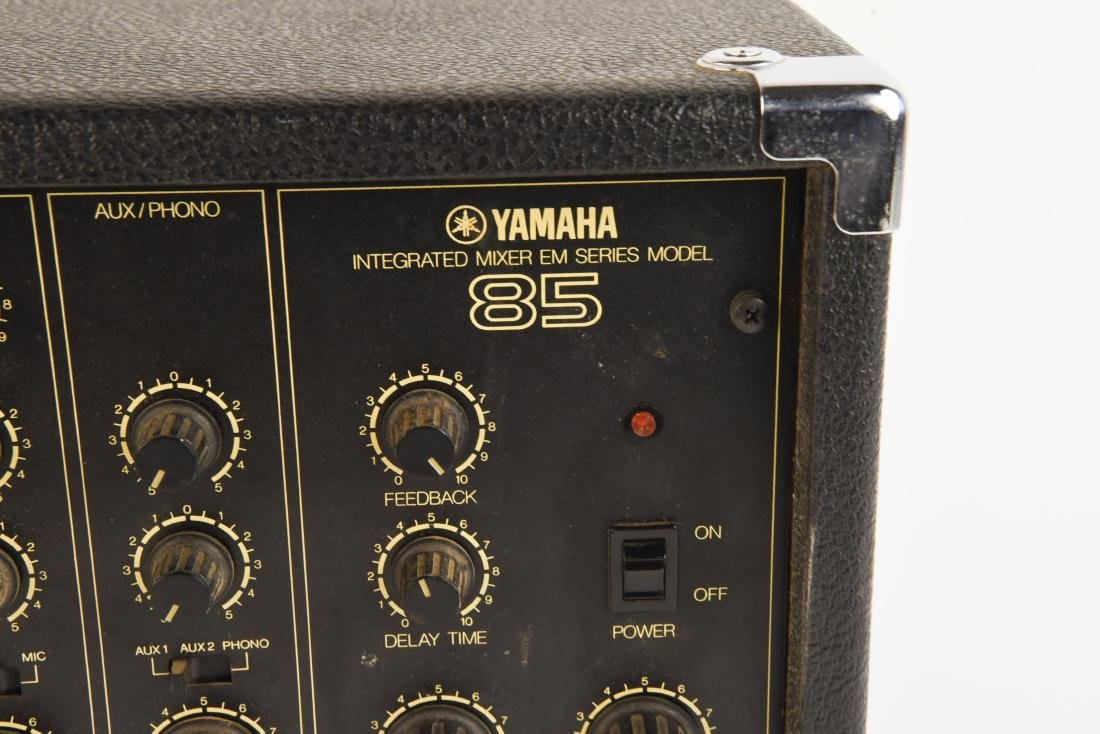 YAHMAHA EM85 MIXER PREAMP WITH ANALOG DELAY - 4