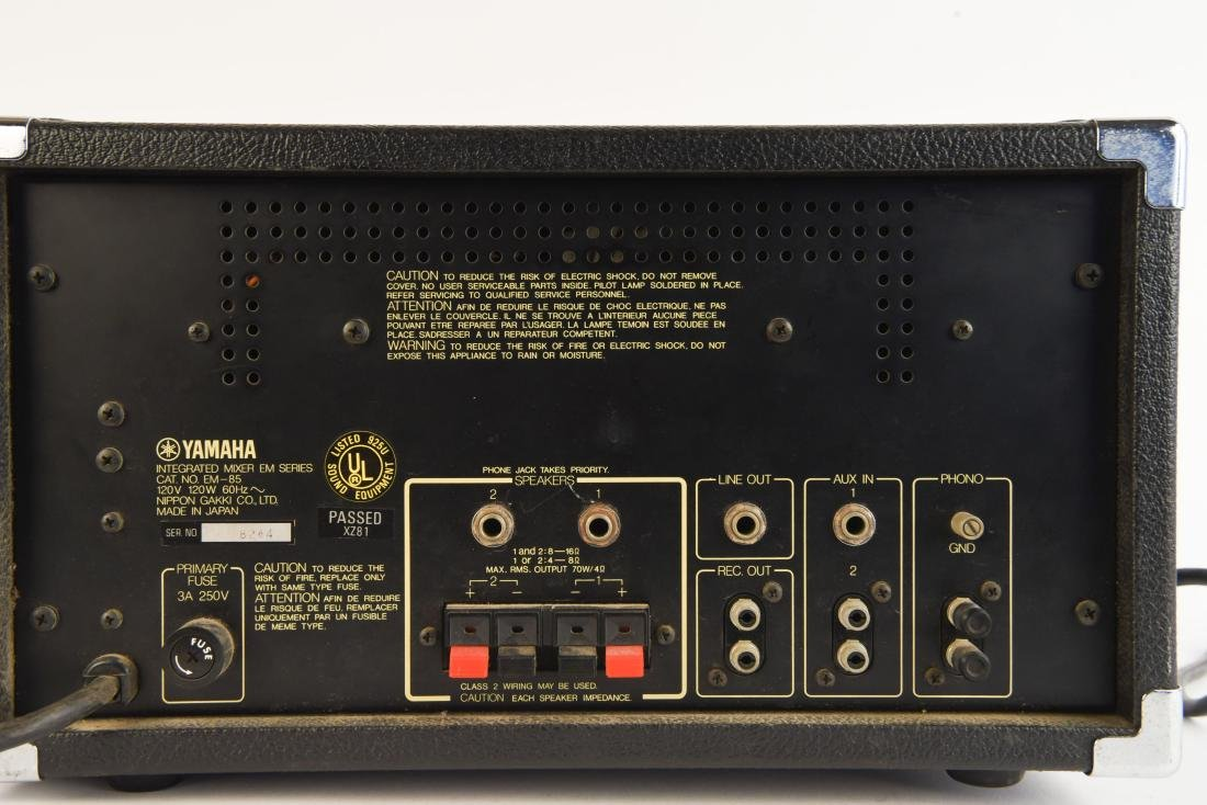 YAHMAHA EM85 MIXER PREAMP WITH ANALOG DELAY - 6