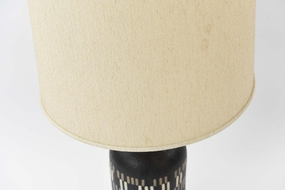 MID-CENTURY CERAMIC LAMP - 3