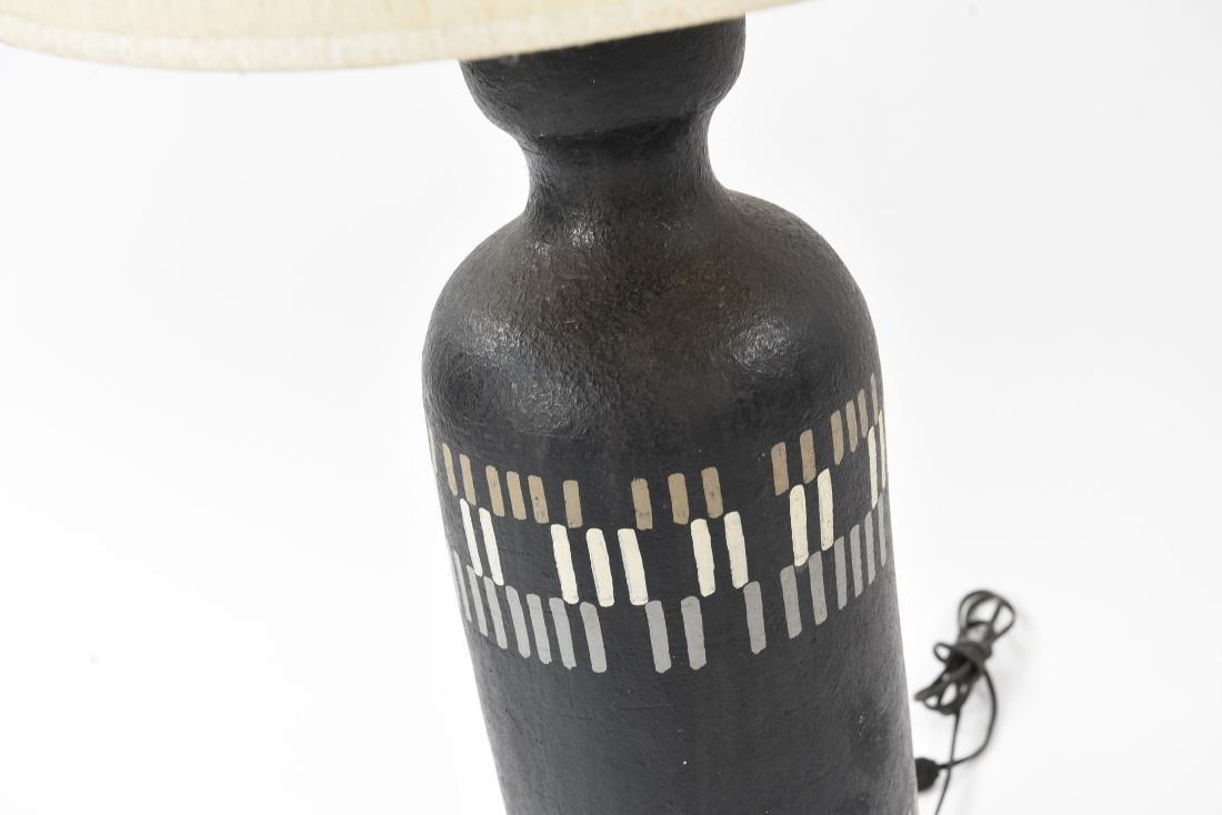 MID-CENTURY CERAMIC LAMP - 4
