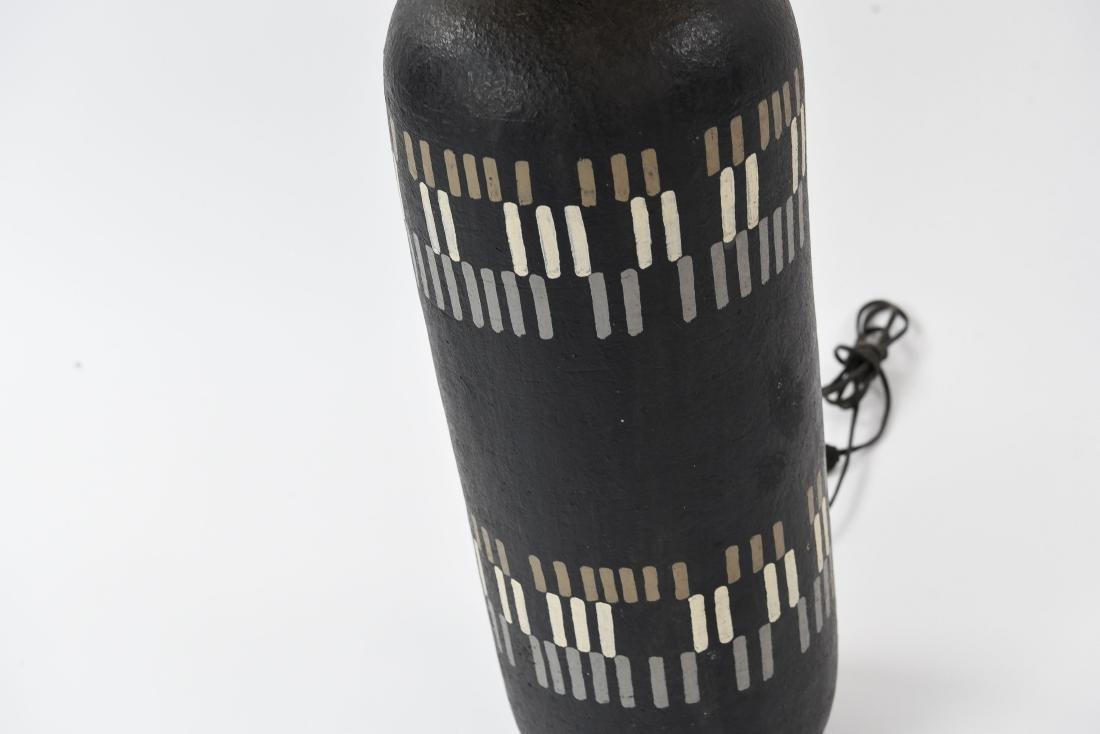 MID-CENTURY CERAMIC LAMP - 5
