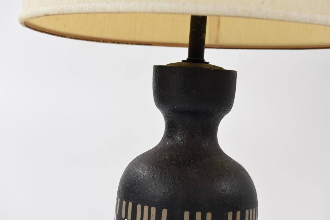 MID-CENTURY CERAMIC LAMP - 7