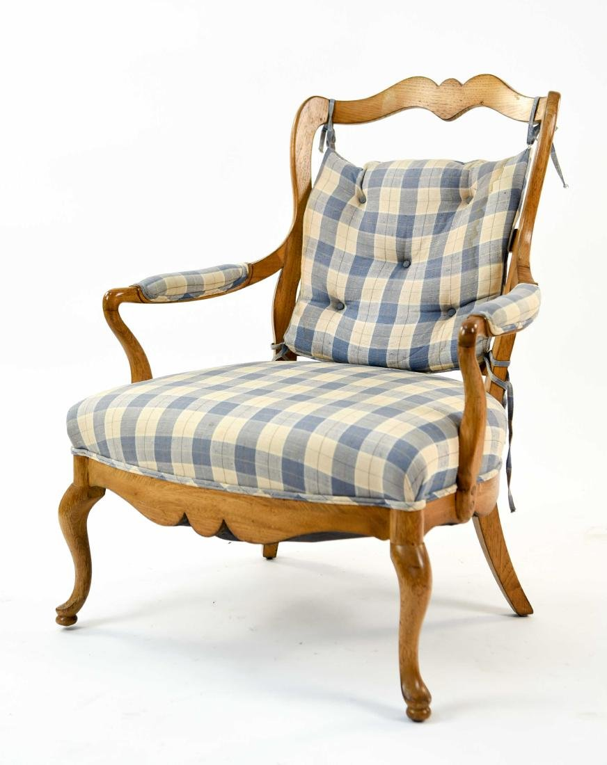 FRENCH COUNTRY STYLE ARMCHAIR