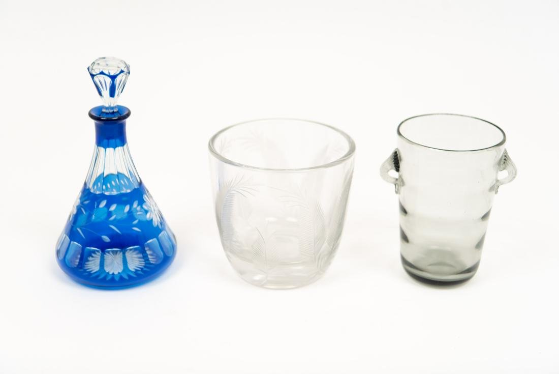GLASS GROUPING INCL DECANTER ICE BUCKET VASE