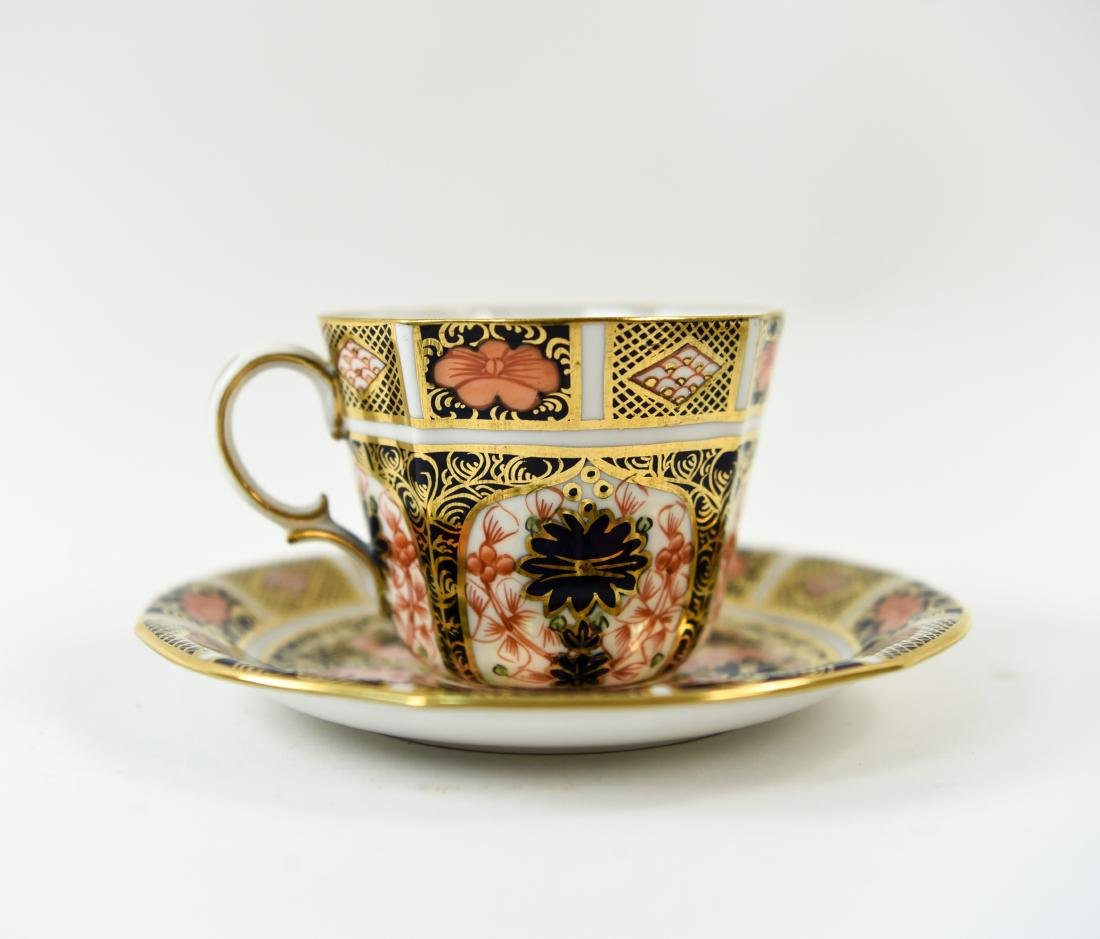 ROYAL CROWN DERBY ENGLISH PORCELAIN SERVICE FOR 12 - 4
