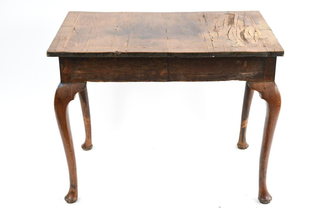ANTIQUE QUEEN ANNE STYLE TABLE - 18