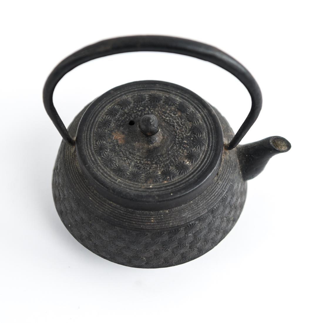 (2) JAPANESE IRON TEA POTS - 7