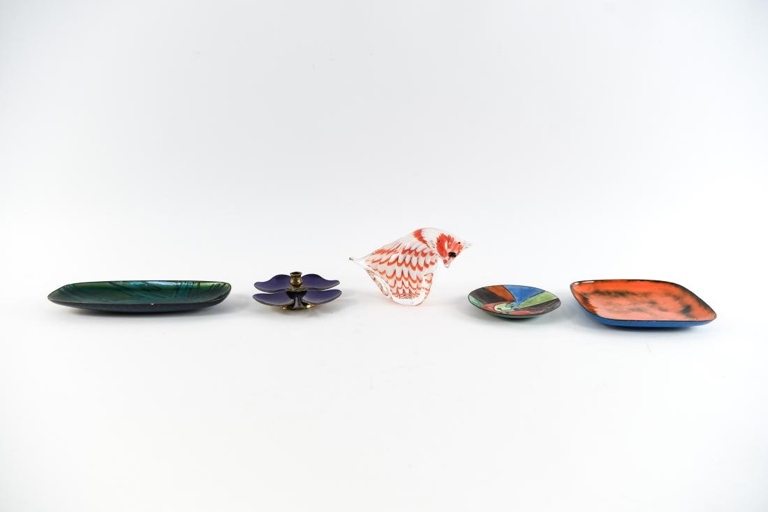 MID-CENTURY ENAMEL AND GLASS GROUPING - 2