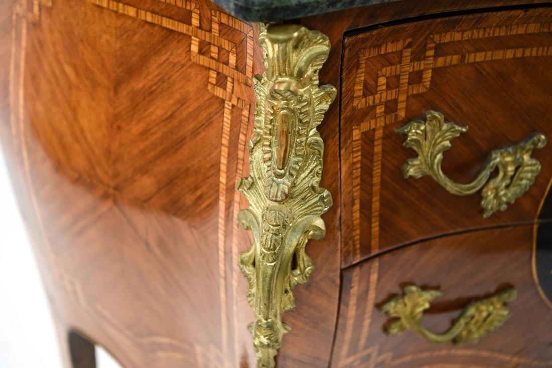 20TH C. DECORATIVE FRENCH MARBLE TOP COMMODE - 4