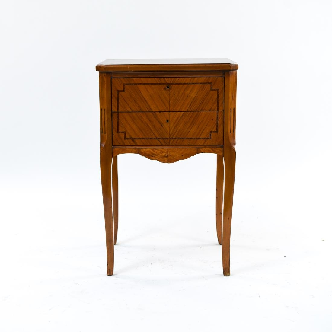 ANTIQUE FRENCH END TABLE STAND