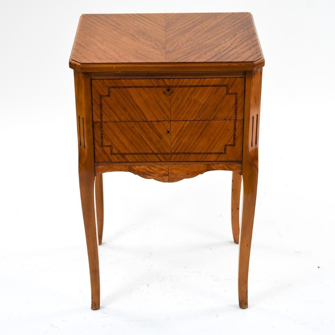 ANTIQUE FRENCH END TABLE STAND - 3