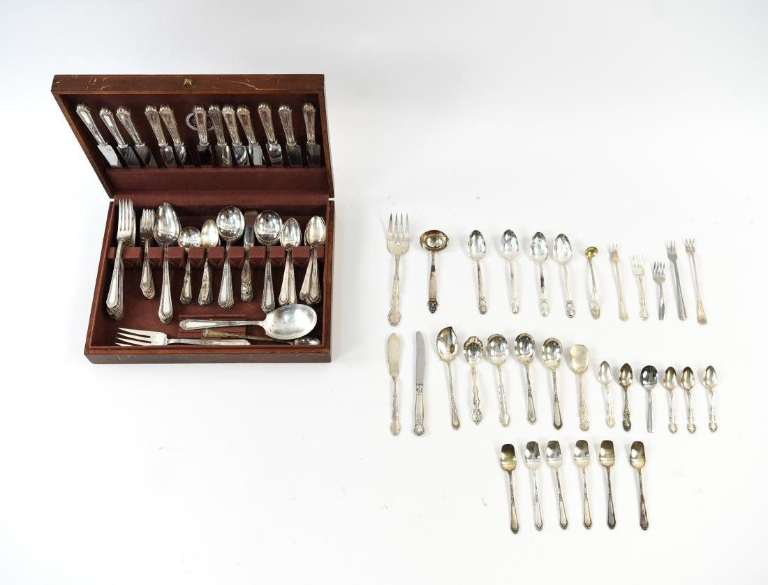 GROUPING OF SILVER PLATE FLATWARE
