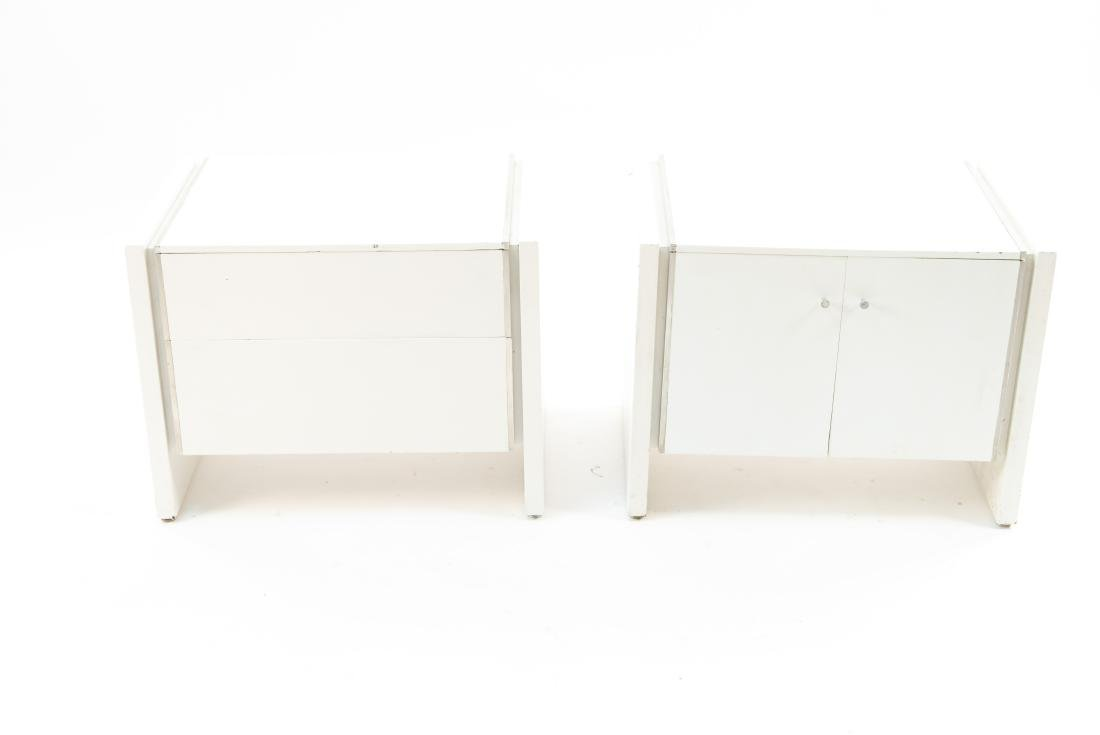MID-CENTURY WHITE PAINTED PAIR END TABLES