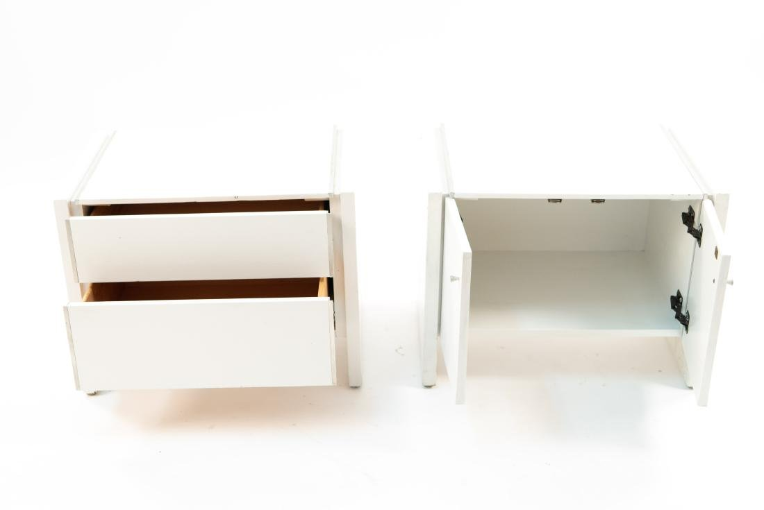 MID-CENTURY WHITE PAINTED PAIR END TABLES - 3