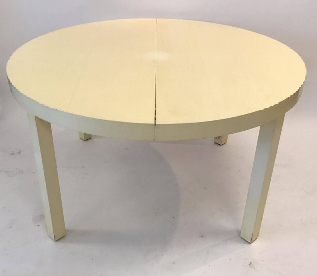 DIRECTIONAL LACQUERED ROUND DINING TABLE - 2