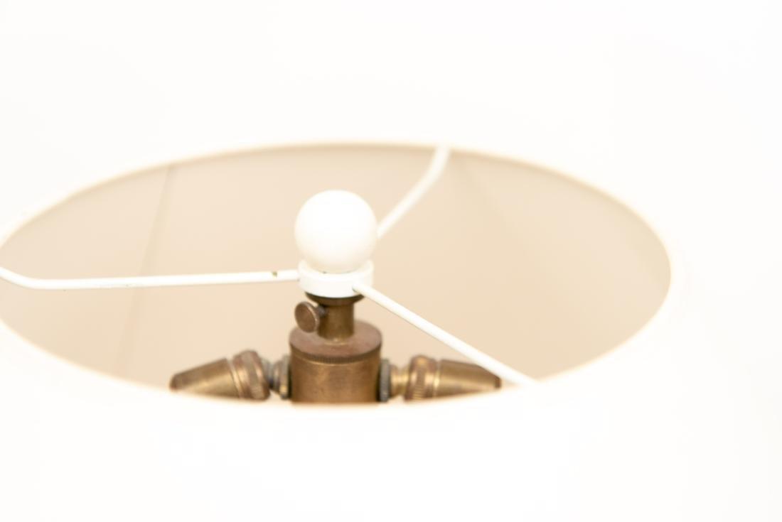 PAIR OF WHITE CERAMIC LAMPS - 3