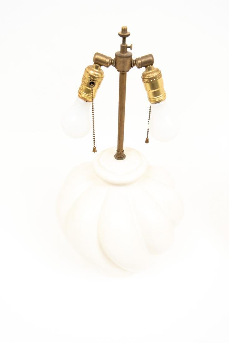 PAIR OF WHITE CERAMIC LAMPS - 4