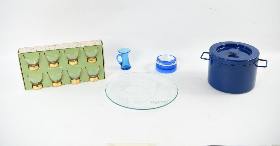 MID-CENTURY GROUPING INCL ENAMELWARE