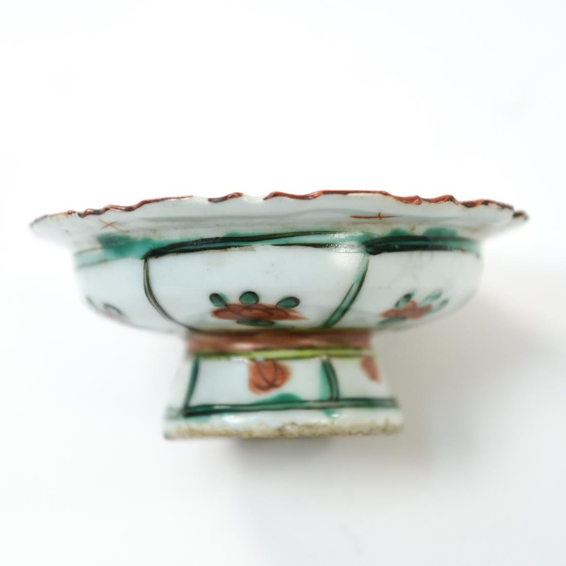 GROUPING OF CHINESE PORCELAIN - 10