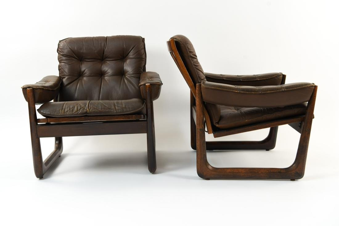 PAIR OF DANISH ODDVAR VAD LEATHER LOUNGE CHAIRS - 3