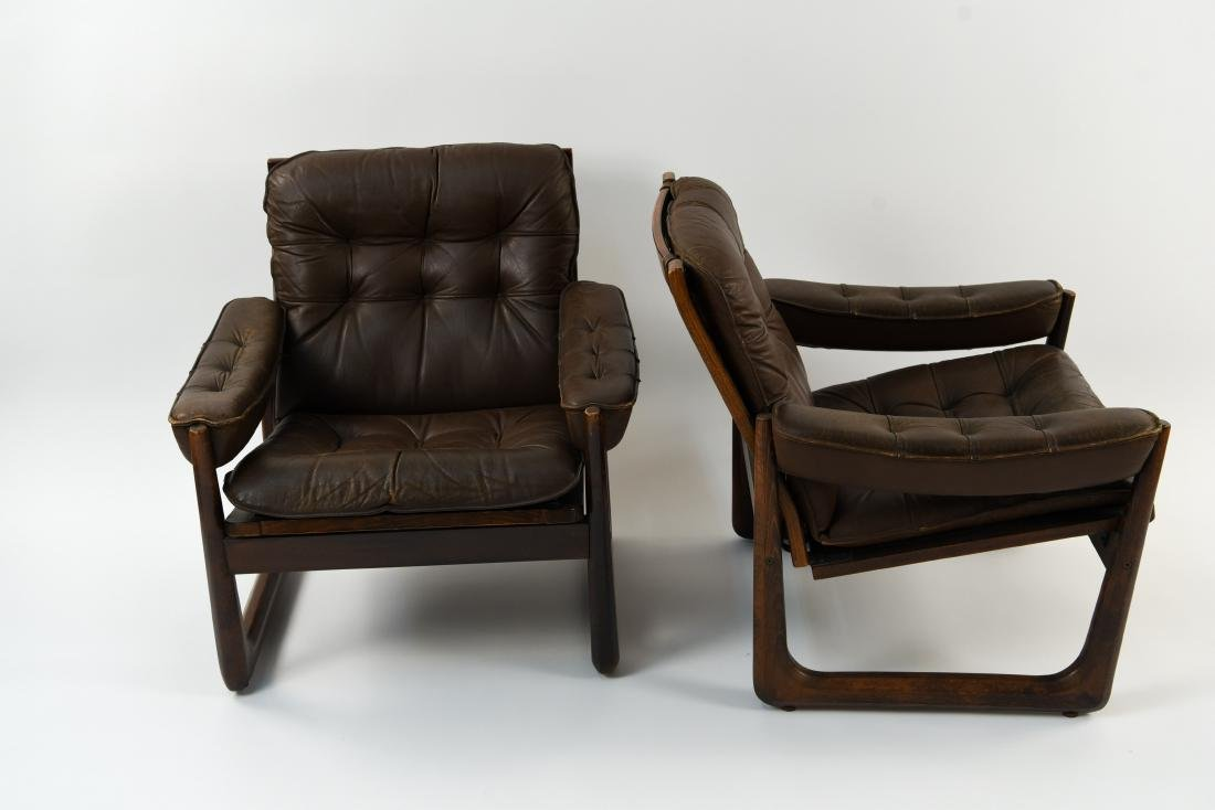 PAIR OF DANISH ODDVAR VAD LEATHER LOUNGE CHAIRS - 4