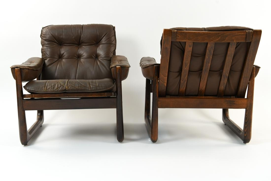 PAIR OF DANISH ODDVAR VAD LEATHER LOUNGE CHAIRS - 5