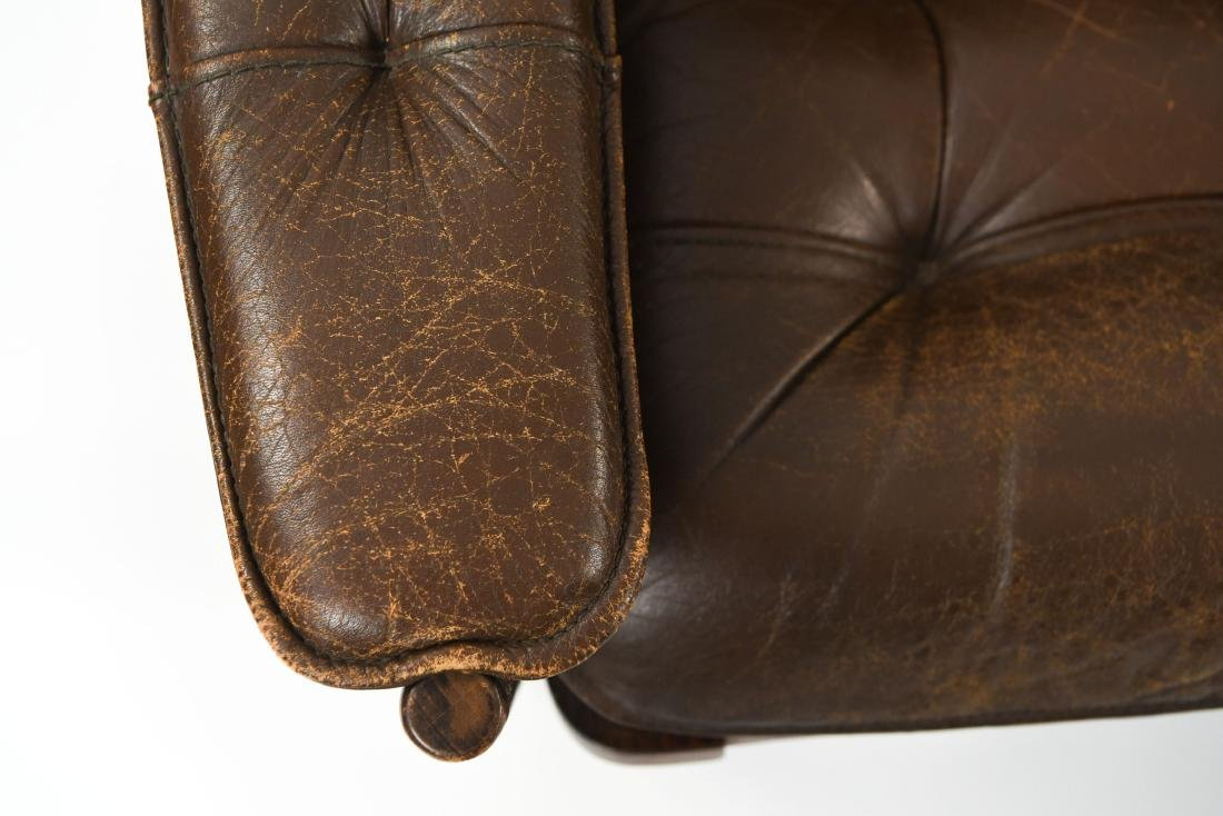 PAIR OF DANISH ODDVAR VAD LEATHER LOUNGE CHAIRS - 6