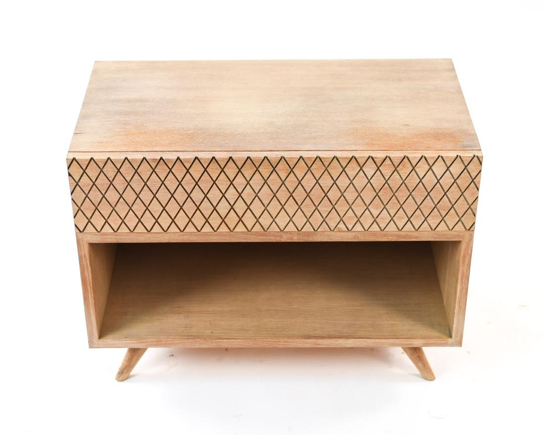 MID-CENTURY PICKLED OAK SIDE TABLE - 2
