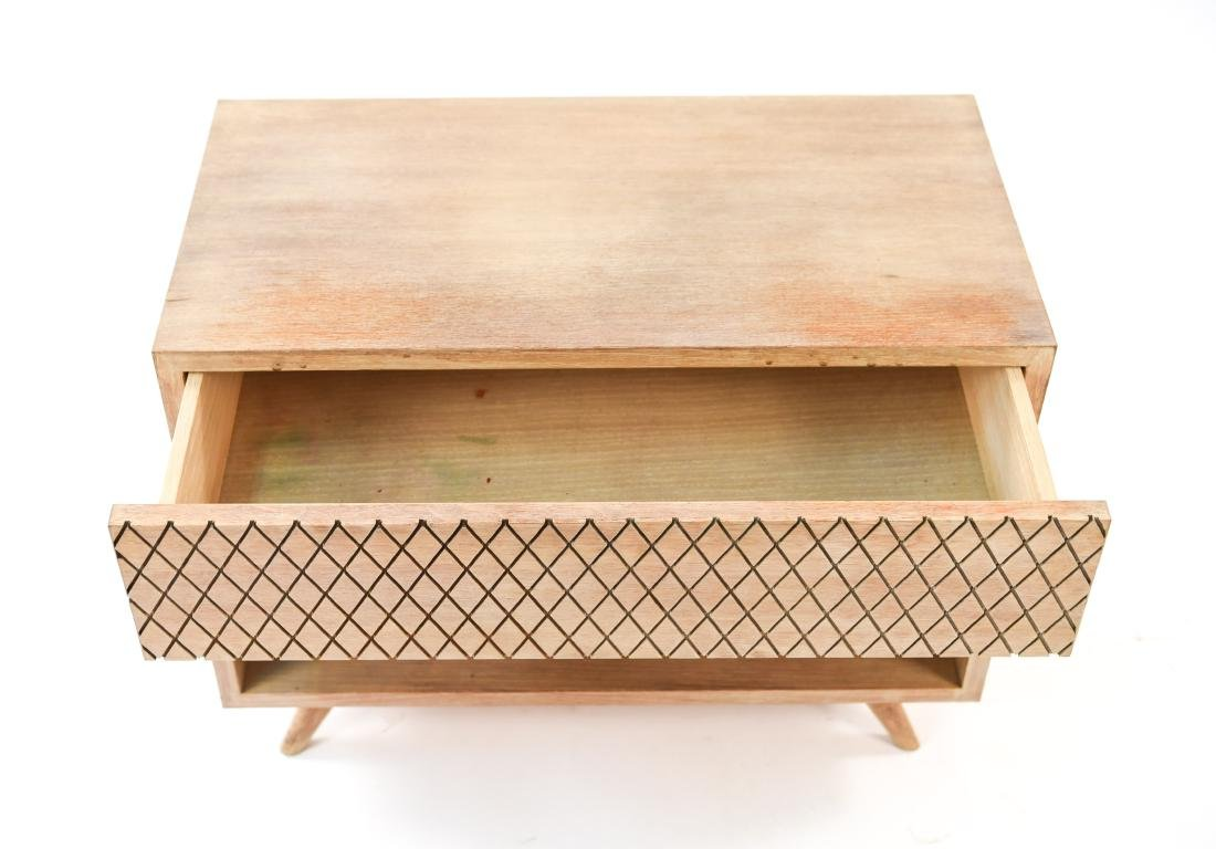 MID-CENTURY PICKLED OAK SIDE TABLE - 3