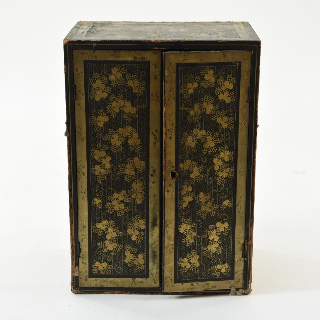 19TH C. JAPANESE LACQUERED BOX