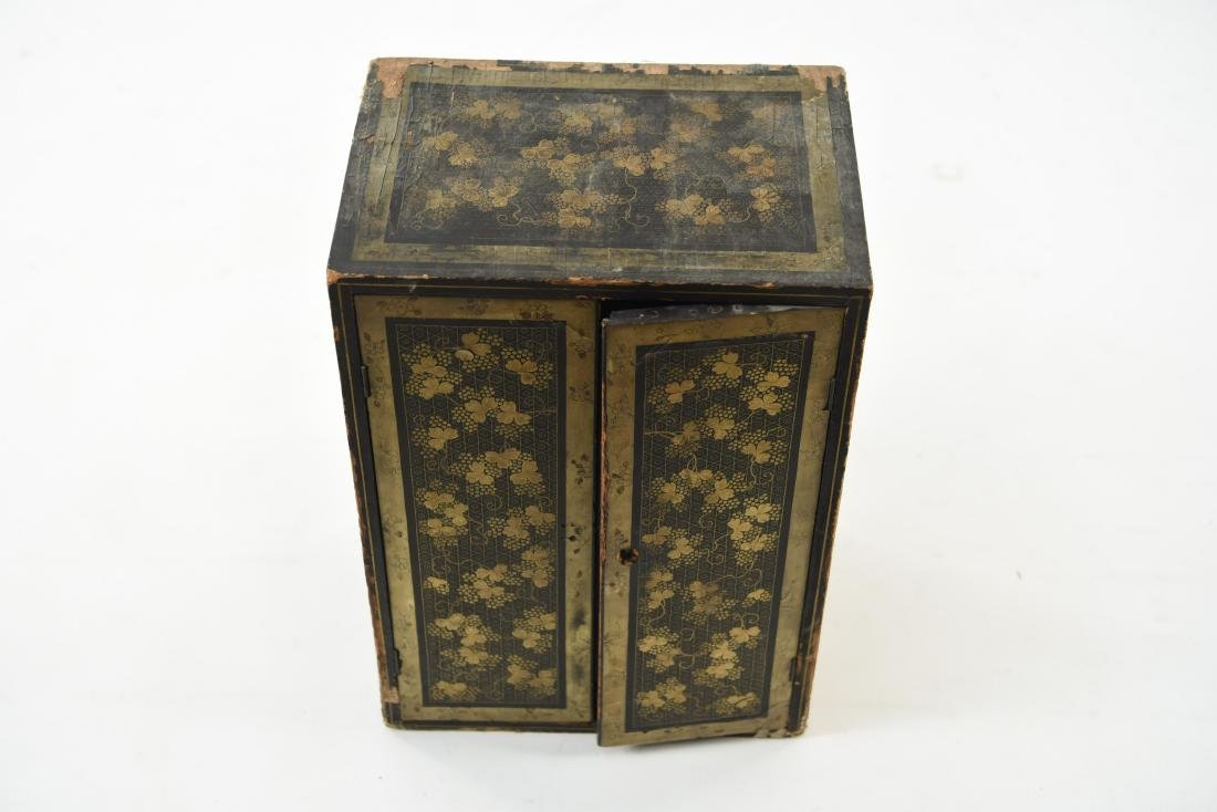 19TH C. JAPANESE LACQUERED BOX - 2
