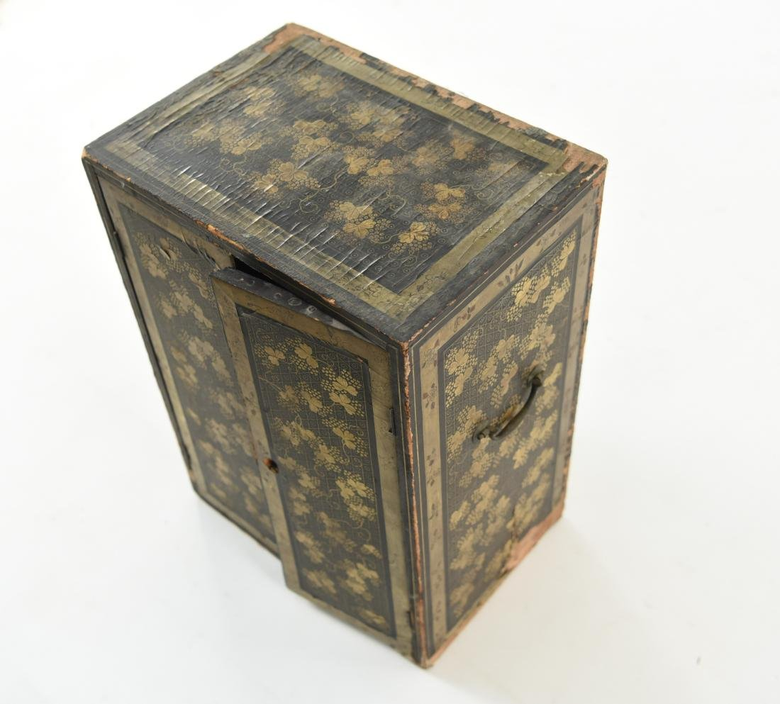 19TH C. JAPANESE LACQUERED BOX - 3