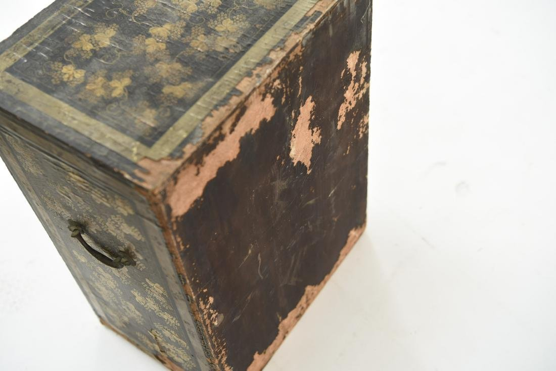 19TH C. JAPANESE LACQUERED BOX - 9