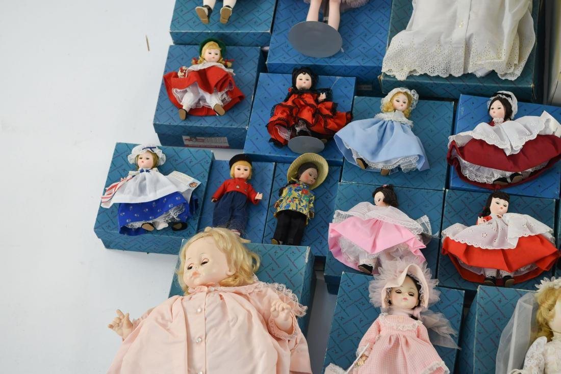 LARGE GROUPING OF MADAME ALEXANDER DOLLS - 6