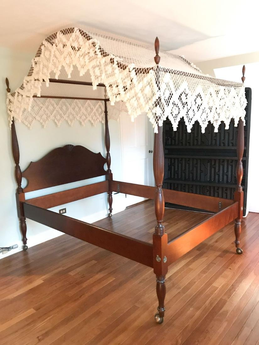 VINTAGE MAHOGANY FOUR POSTER BED