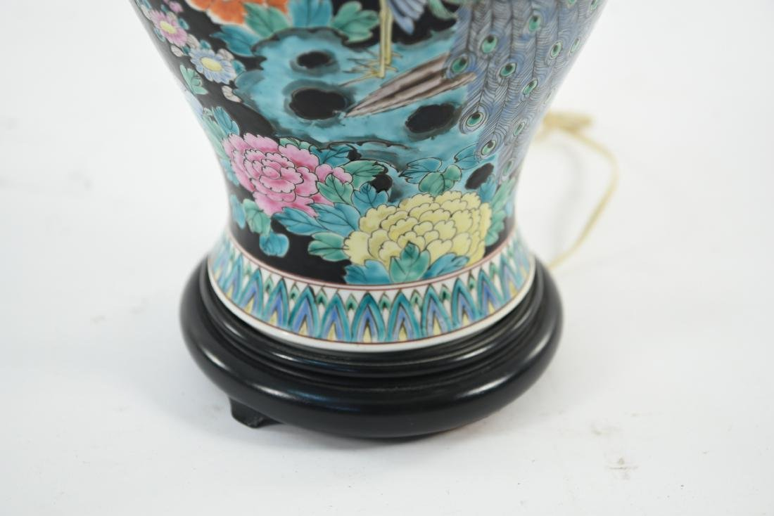 1950S CHINESE PORCELAIN LAMP - 4