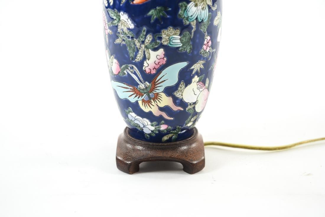 ASIAN PORCELAIN LAMP - 2