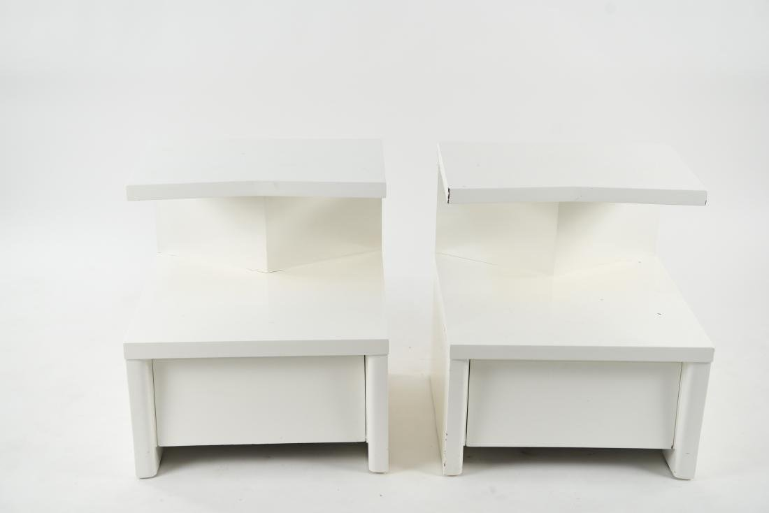 PAIR OF WHITE LACQUERED MID-CENTURY NIGHTSTANDS