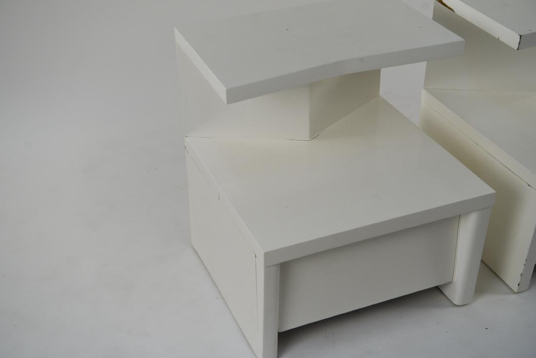 PAIR OF WHITE LACQUERED MID-CENTURY NIGHTSTANDS - 5