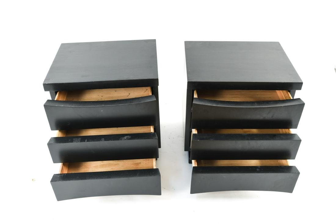 PAIR OF MID-CENTURY END TABLES OR NIGHT STANDS - 3