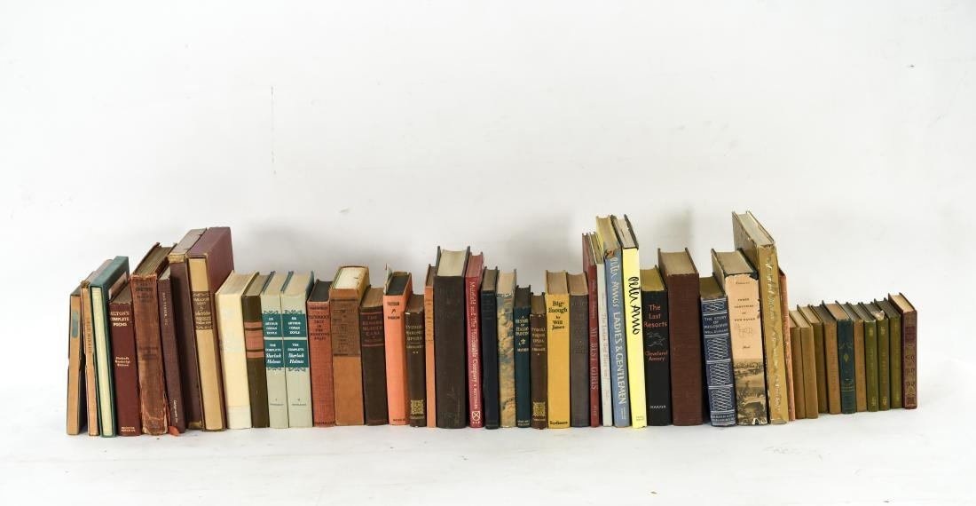 GROUPING OF ESTATE FRESH VINTAGE BOOKS