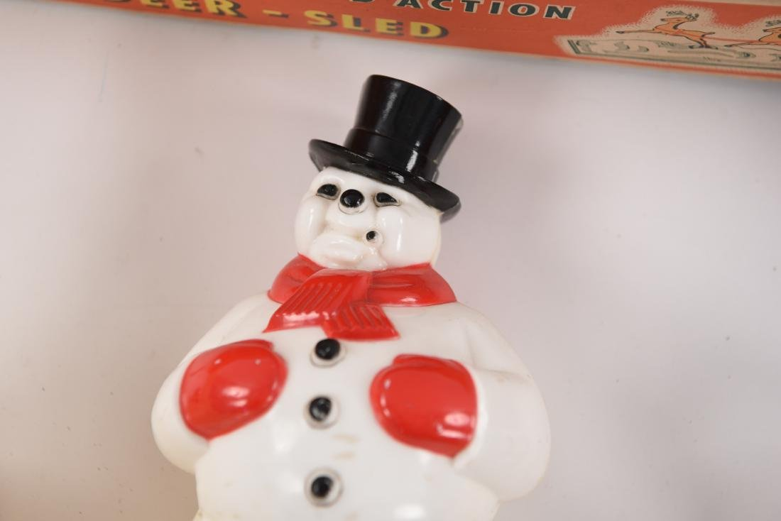 GROUPING OF VINTAGE CHRISTMAS DECORATIONS - 7