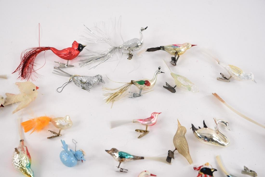 GROUPING OF VINTAGE BIRD CHRISTMAS ORNAMENTS - 4